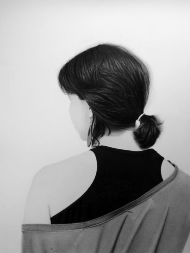 mujer espalda pelo realismo